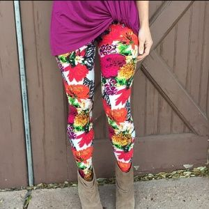 Gorgeous and vibrant floral leggings